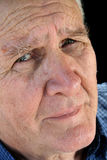 Besorgter älterer Mann stockfoto