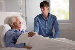 Besorgter kranker Patient stockfotos