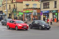 Besouro novo da VW em uma rua fotos de stock