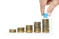 Besparing för köpande hus Royaltyfri Fotografi