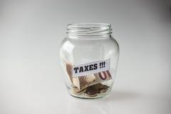 Besparing för skatter Royaltyfri Fotografi