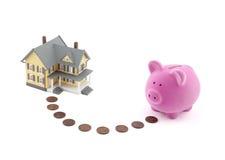Besparing voor een huis Royalty-vrije Stock Afbeeldingen