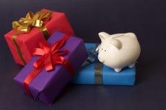 Besparing voor giften Royalty-vrije Stock Foto's
