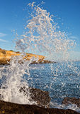 Bespattende golven stock fotografie