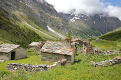 BESSANS, FRANÇA: A aldeola Averole situado no vale de Averole fotos de stock royalty free