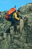 besseggen hiking детеныши женщины зиги Стоковое Изображение