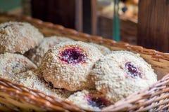 Bessen cupcakes en gebakjes stock afbeelding