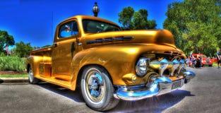 Beställnings- amerikan` 1950 s Ford väljer upp lastbilen Arkivbild