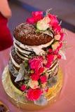 Beställnings- bröllopstårta på mottagandet Royaltyfri Foto