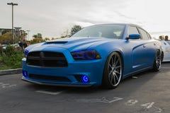 Beställnings- Dodge uppladdare RT på skärm Royaltyfria Bilder