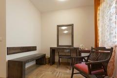 bestämd bädda ned beautifully fin hotellinteriorlokal Royaltyfria Foton