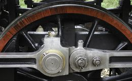 beståndsdel från ett hjul av en ångalokomotiv fotografering för bildbyråer