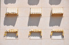 Beståndsdelar av bakgrunden Dörrar fönster, väggar Arkivfoton