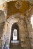 Beståndsdelar av det kyrkliga arkitekturstället av jordfästningen av St Nicholas Arkivfoto
