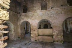 Beståndsdelar av det kyrkliga arkitekturstället av jordfästningen av St Nicholas Royaltyfria Bilder