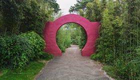 Beståndsdelarna av den kinesiska trädgårds- porten Fotografering för Bildbyråer