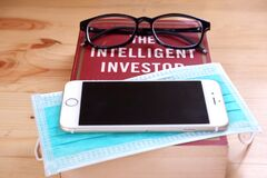 Best Book on Investing to Read at Home