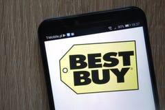 Best Buy logo som visas på en modern smartphone royaltyfri fotografi