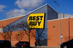 Best Buy store building on a sunny day in Queens, New York stock photo