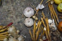 Bestandteil-thailändisches Lebensmittel auf Webart-Hintergrund 8 Stockbilder