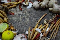 Bestandteil-thailändisches Lebensmittel auf Webart-Hintergrund 1 Lizenzfreies Stockbild