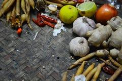 Bestandteil-thailändisches Lebensmittel auf Webart-Hintergrund 3 Stockbild