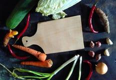 Bestandteil von in Essig eingelegten Gurken, von Karotten, von Weißkohl und von rote Pfeffer Ala Indonesien Stockfoto