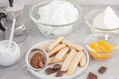 Bestandteile des traditionellen italienischen Nachtisch Tiramisu Kochen des Blog- und Klassenkonzeptes Stockfotografie