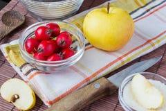 Bestandteile für Apfelkuchen lizenzfreies stockfoto
