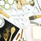 Bestandteile für das Kochen des Winter Weihnachtswürzigen Nachtischs - Ingwerkekse lizenzfreies stockbild