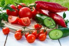 Bestandteile für einen frischen gesunden Salat Stockbild