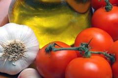 Bestandteile für einen klassischen Salat von Spanien Stockbild