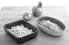 Bestandteile für italienisches ` Teigwaren e fagioli ` Retro- BW Stockfotos
