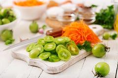 Bestandteile für koreanischen Salat von den grünen Tomaten Lizenzfreies Stockfoto