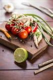 Bestandteile für thailändisches Lebensmittel, Lemongras, Ingwer, Knoblauch, Cocktail Lizenzfreie Stockfotos