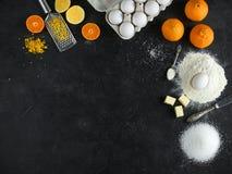 Bestandteile für Zitrusfruchtkuchen lizenzfreie stockfotos
