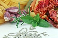 Bestandteile, zum einer italienischen Nahrung zu bilden Stockbild
