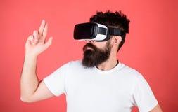 Beste tireur für VR Erster Personentireur zeigt, wie süchtig machendes VR sein könnte Mannhandzeichen als Gewehrspiel-tireurspiel lizenzfreies stockbild