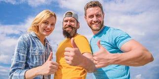 Beste Wahl Freunde, die Spa?sommer-Freilichtfestival haben M?nner und Frau genie?en Sommerferien Ferien und stockbild