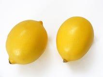 Beste zwei Zitronenbilder für Fruchtsaft-Verpackungskappen Lizenzfreies Stockbild
