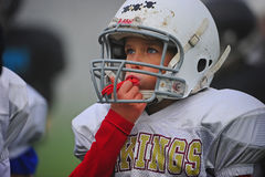 Besteedt de Amerikaanse Voetbal van de jeugd aandacht Stock Fotografie