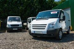 Bestelwagens voor verkoop royalty-vrije stock afbeelding