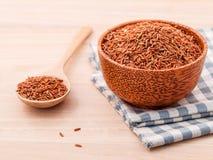 Bester Reis des ganzen Reises des Kornes traditionellen thailändischen für gesundes und sauberes Lebensmittel Stockfotos