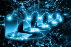 Bestes Internet-Konzept des globalen Geschäfts Kugel, Laptop auf technologischem Hintergrund Elektronik, Wi-Fi, Strahlen, Symbole stock abbildung