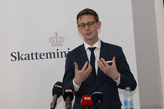 BESTEUERUNG KARSTEN LAURITZEN_MINISTER UND REVUNE Lizenzfreies Stockbild