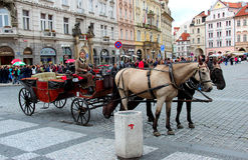 Bestimmtes Transportmittel in Prag lizenzfreie stockfotos