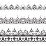 Beståndsdelar för Seamles gränsmodell med blommor och snör åt linjer i indisk mehndistil som isoleras på vit bakgrund Royaltyfri Bild