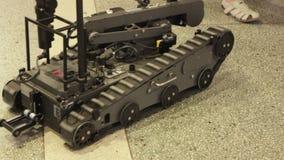 BestRoboFest Gemakkelijke robot voor mijnontruiming stock videobeelden
