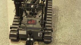 BestRoboFest Gemakkelijke robot voor mijnontruiming stock video