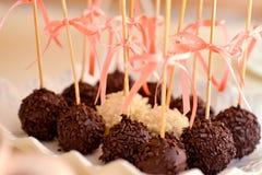 Bestrukna chokladbollar Royaltyfri Fotografi